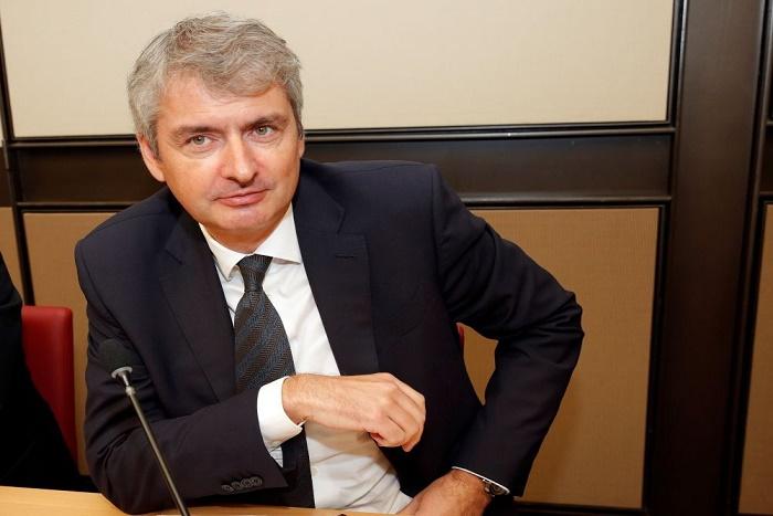 """Lait contaminé: Le PDG de Lactalis évoque un """"accident"""""""