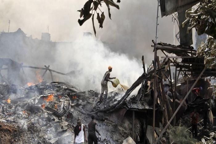 Au Kenya, au moins 15 personnes sont mortes lors d'un incendie qui a touché le plus grand marché de Nairobi