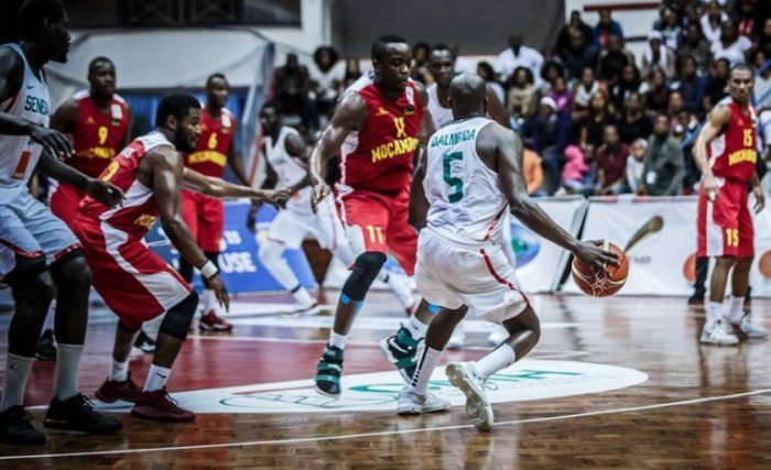 """#fFIBAWC #SENMOZ : Les """"Lions"""" s'imposent 78-63 devant le Mozambique"""