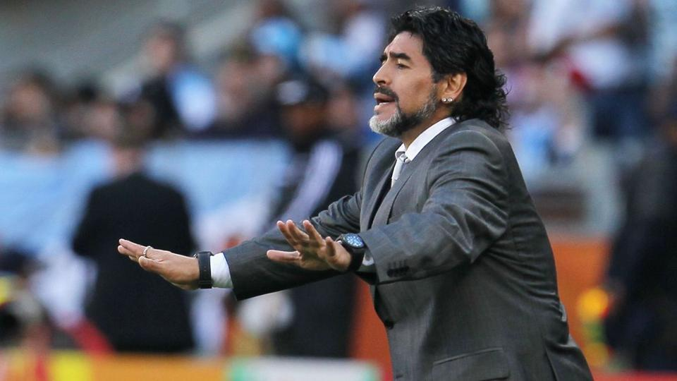 "Argentine : Diégo Maradona prêt à revenir ""gratuitement"""