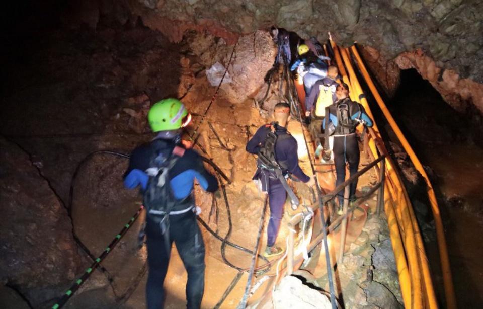 Thaïlande: Les treize rescapés de la grotte ont été évacués