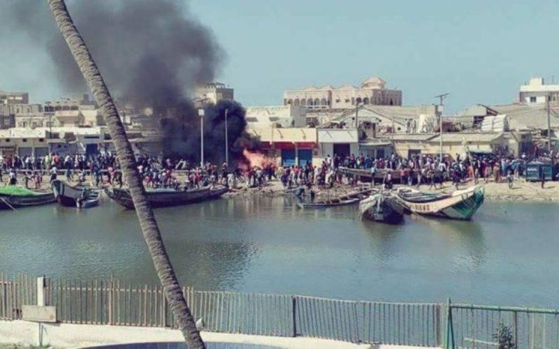 Kayar : des pêcheurs dégainent des armes à feu et...