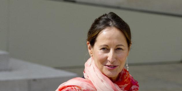 """Ségolène Royal au Cameroun pour appuyer le projet """"Femmes et énergies durables"""""""