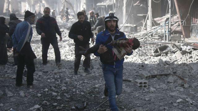 Urgent- Syrie: évacuation de combattants et de civils de la ville de Deraa (OSDH)
