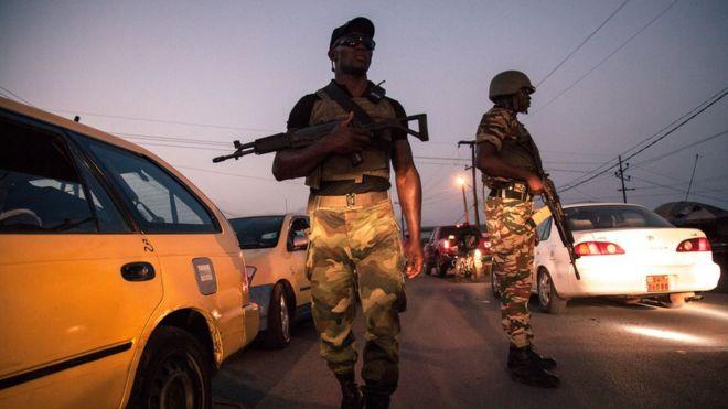 """Des soldats camerounais """"arrêtés"""" après une vidéo d'exécution"""