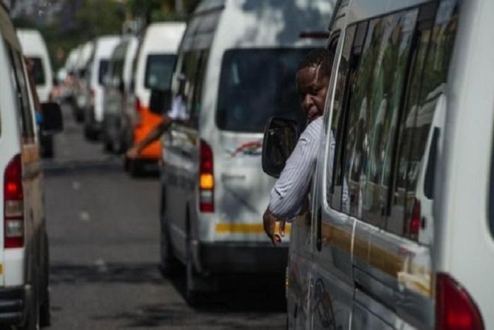  Onze taximen tués en Afrique du Sud