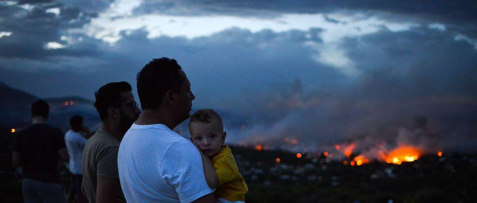 Passions de 60 morts enregistrés dans les incendies en Grèce