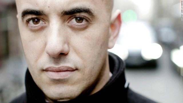 Le braqueur évadé de prison Redoine Faid filmé par une caméra de surveillance à Sarcelles