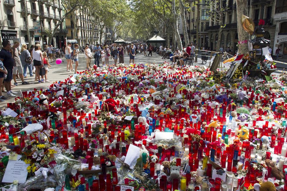 """Le """"cerveau"""" des attentats de Catalogne serait en liberté"""