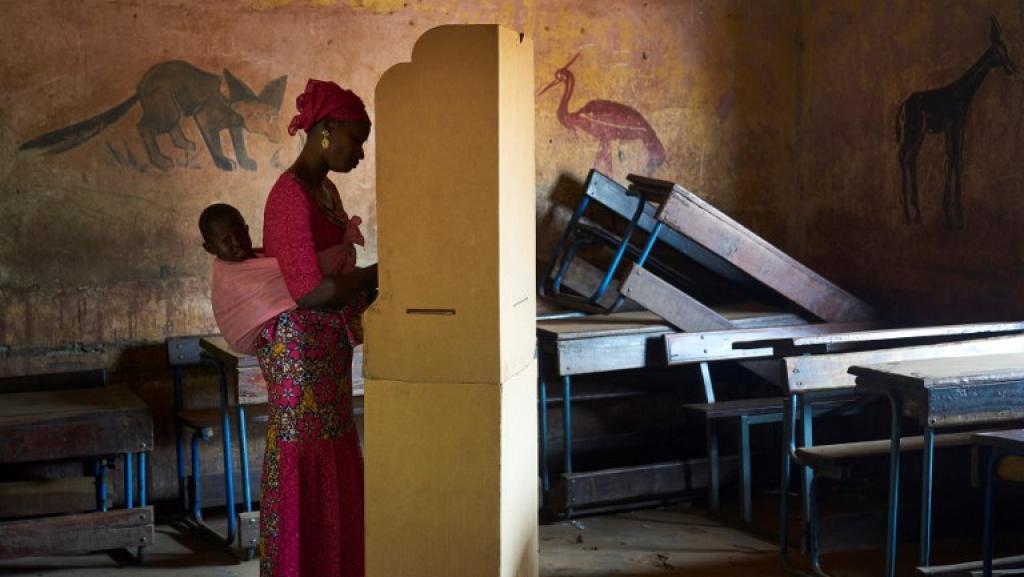 Mali: faible mobilisation et scrutin sans incident à la mi-journée