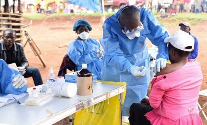 Un médecin infecté par Ebola en RDC