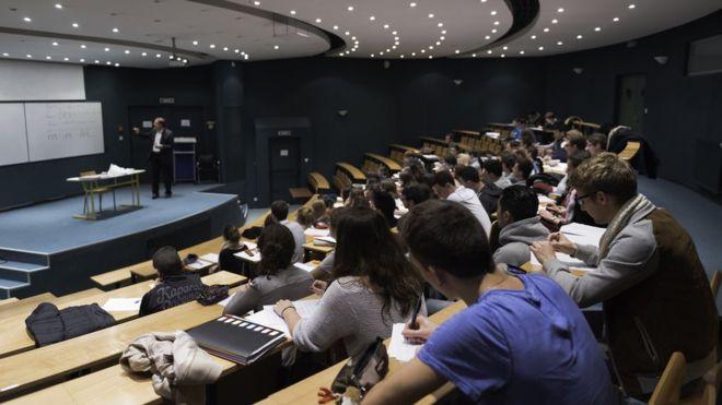 Des étudiants boycottent un examen 'difficile'