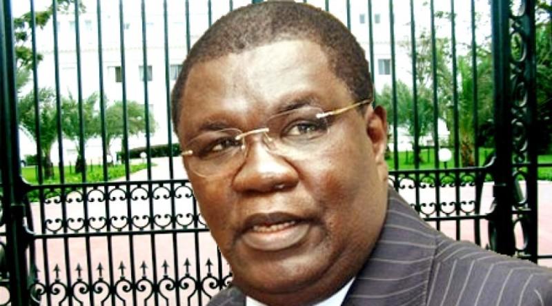 """Des organisations des droits humains jugent """"anticonstitutionnel"""" l'arrêté Ousmane Ngom"""