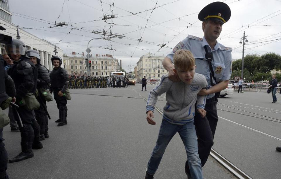Russie: Plus de 800 arrestations lors de manifestations contre la réforme des retraites