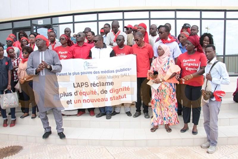 Grève des agents de l'APS: la misère des rédacteurs en chef-des salves contre l'Etat