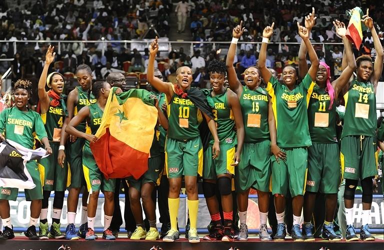 Basket : les Françaises s'imposent dans la douleur face aux Sénégalaises
