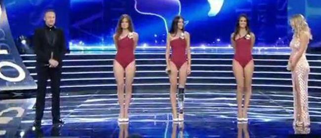 Insultée en ligne, une jeune femme handicapée termine sur le podium du concours Miss Italie
