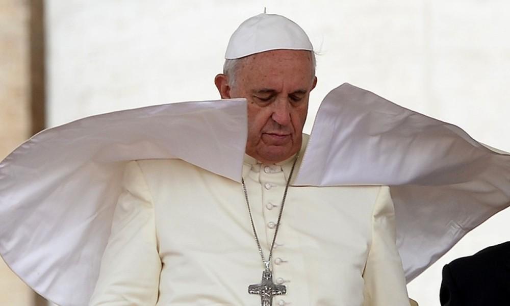 """Avortement : le Pape François compare les médecins qui le pratique à des """"tueurs à gages"""""""