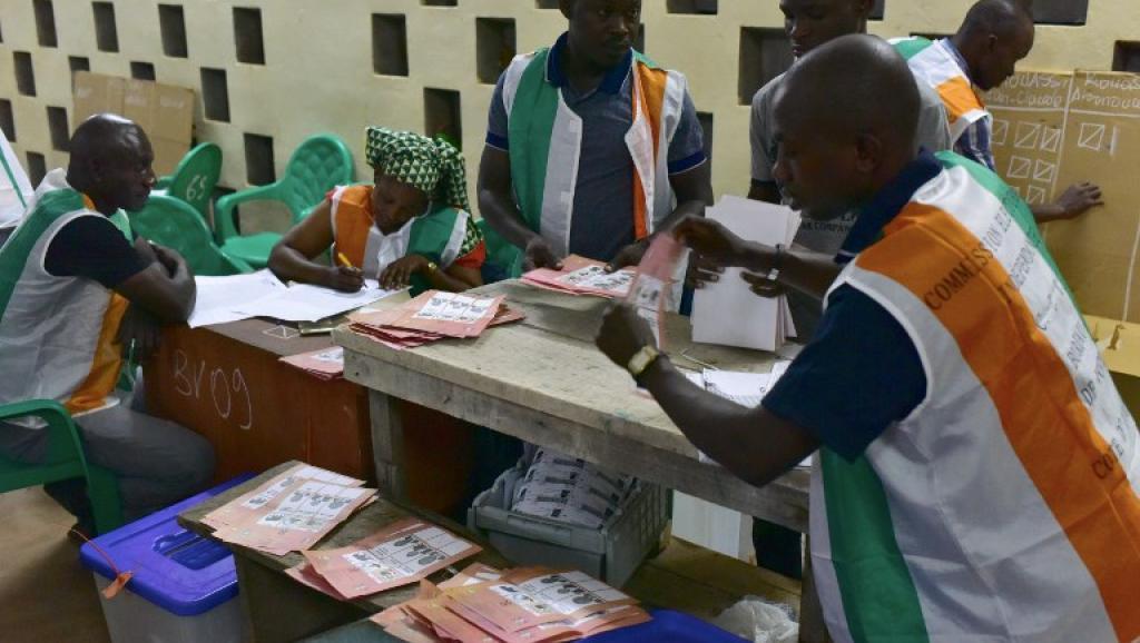 Elections locales en Côte d'Ivoire: faible affluence dans les bureaux de vote