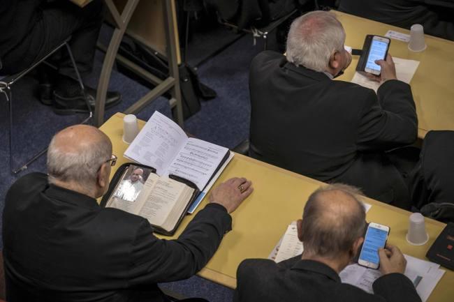 A Lourdes, les victimes de pédophilie réclament « des actes » à l'Eglise catholique