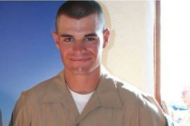 Le tireur de Californie Ian David Long était un ancien soldat de 28 ans