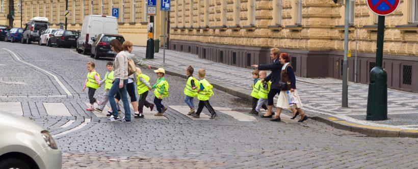 Parce qu'ils portaient des gilets jaunes, des enfants en sortie scolaire placés 24h en garde à vue
