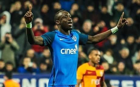 Stats démentiels : Mbaye Diagne encore mieux que Messi et Ronaldo (en chiffre)