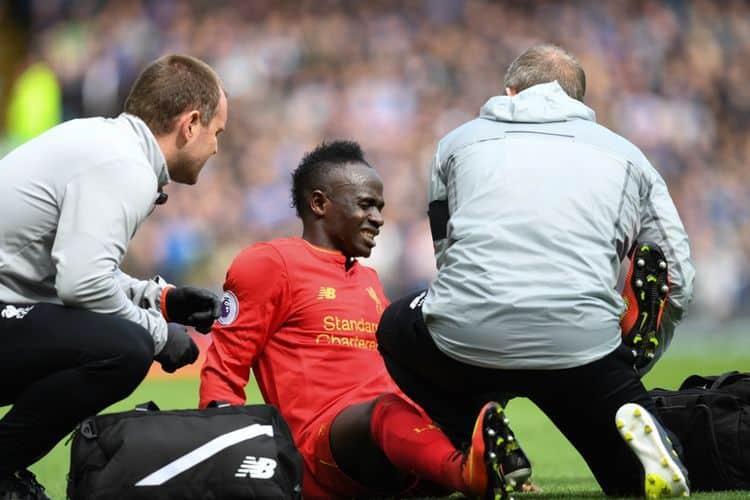 """Klopp fait le point sur la blessure de Mané : """" Il ne peut pas jouer en tong..."""""""