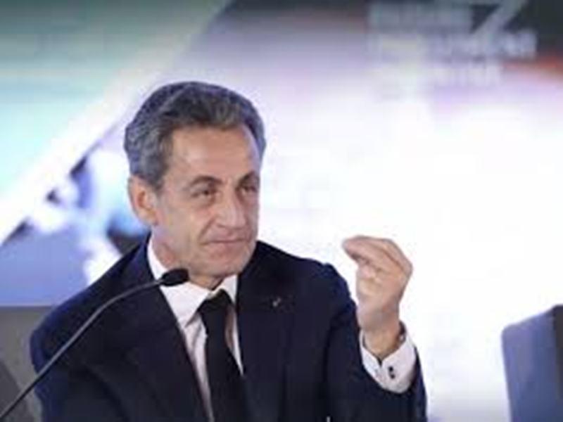 France: Sarkozy n'exclut pas l'idée d'un retour en cas de crise grave
