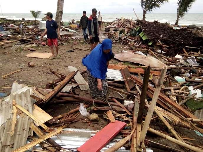 Indonésie : un tsunami provoqué par une éruption volcanique fait au moins 168 morts