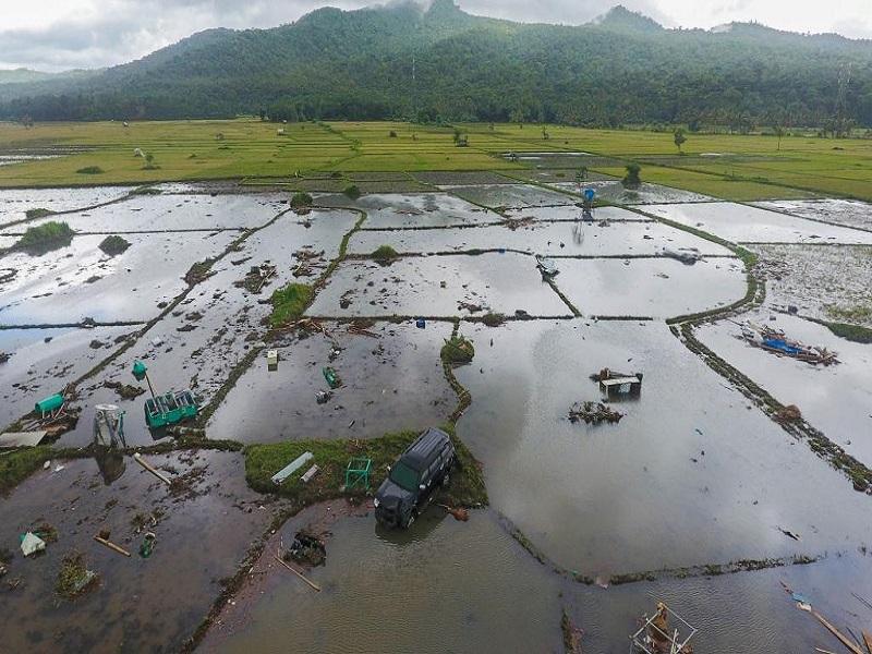 Indonésie: les rescapés face au chaos, le bilan continue de s'alourdir