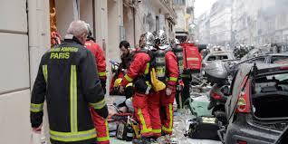 Explosion à Paris: deux pompiers sont décédés, selon un nouveau bilan