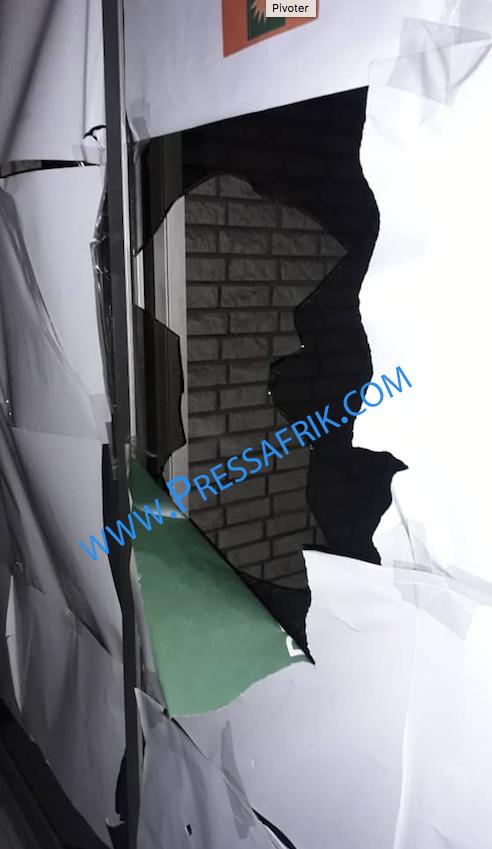 Les images du saccage du siège de Mankoo Taxawu Senegaal...par la police