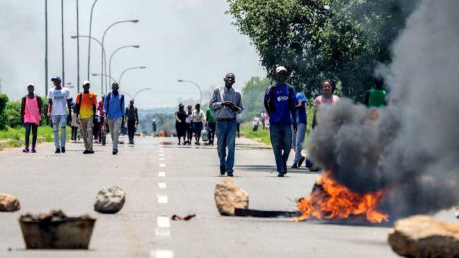 L'armée zimbabwéenne accusée de 'torture systématique' sur des manifestants.