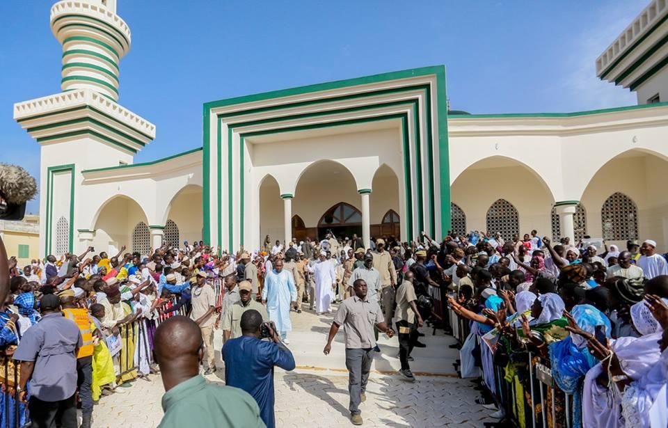 """Résultat de recherche d'images pour """"macky sall à la mosquée de pikine"""""""