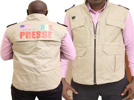 L'Ambassade des Etats-Unis remet des gilets aux journalistes pour la couverture de la Campagne électorale