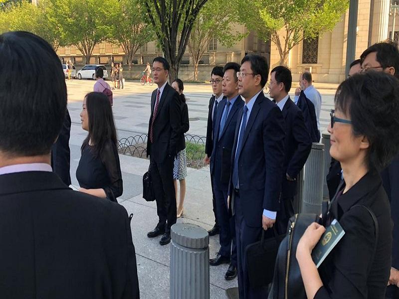 Chine-Etats-Unis: Lio He à Washington pour des négociations tendues