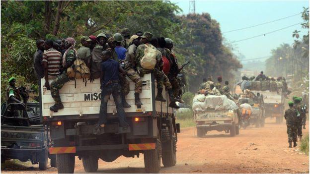 Un accord de paix conclu entre gouvernement et groupes rebelles