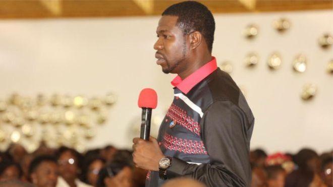 Un pasteur qui 'prétend guérir' le Sida condamné au Zimbabwe