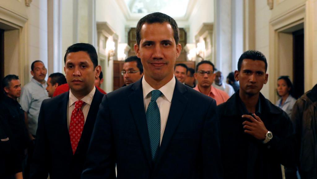 Venezuela: l'opposant Guaido maintient la pression sur Maduro