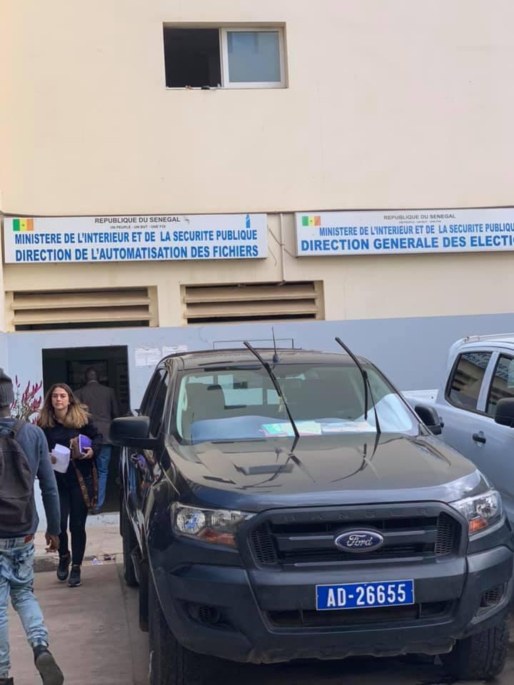 """Scandale du jour: Des dizaines de personnes convoyées dans des cars à la DAF pour """"s'inscrire"""" sur les listes électorales"""