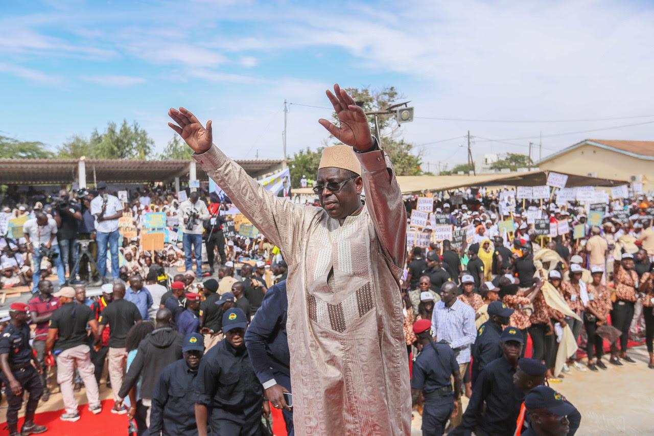 Kaffrine : Macky Sall drague les jeunes sénégalais et les appelle à…
