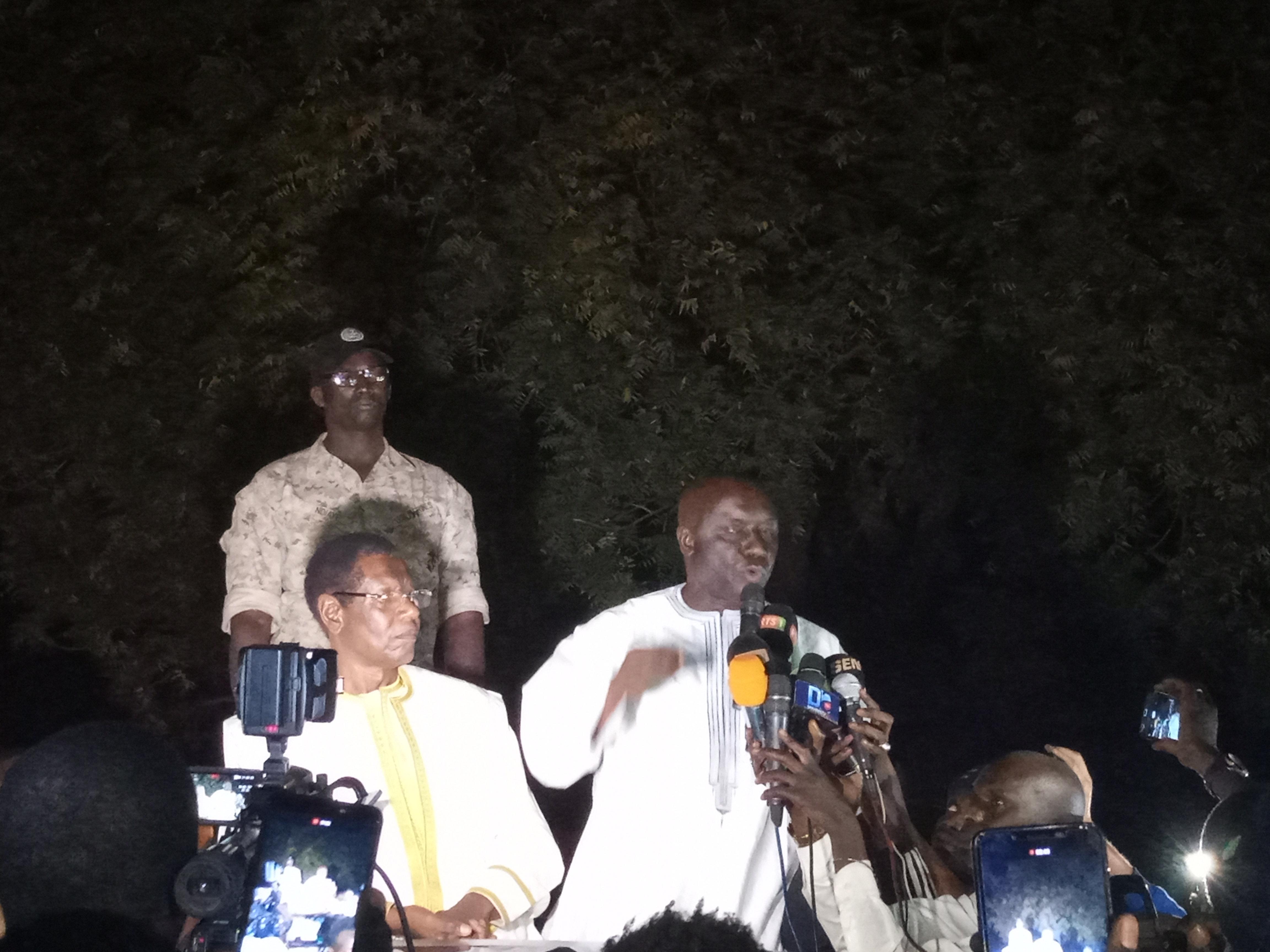 A Kidira, Idy raille Macky: «pourtant, on pouvait prendre un hélicoptère»