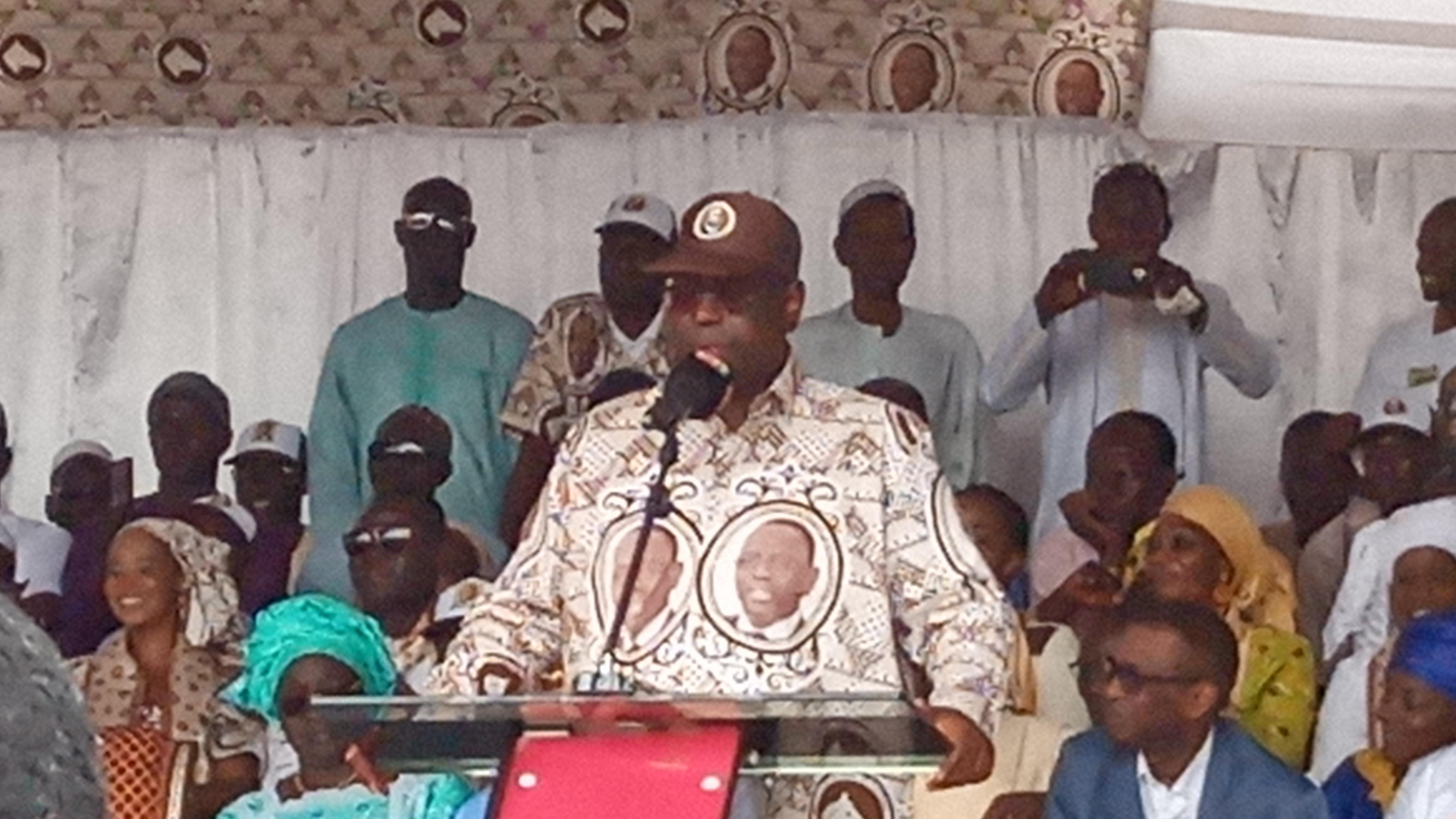 A Diourbel, Macky Sall promet un traitement spécial aux Sénégalais de l'Extérieur