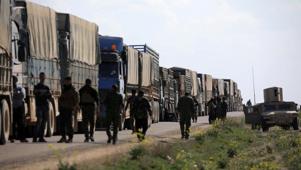 Syrie: évacuation de civils et de combattants, la pression sur l'EI s'accentue