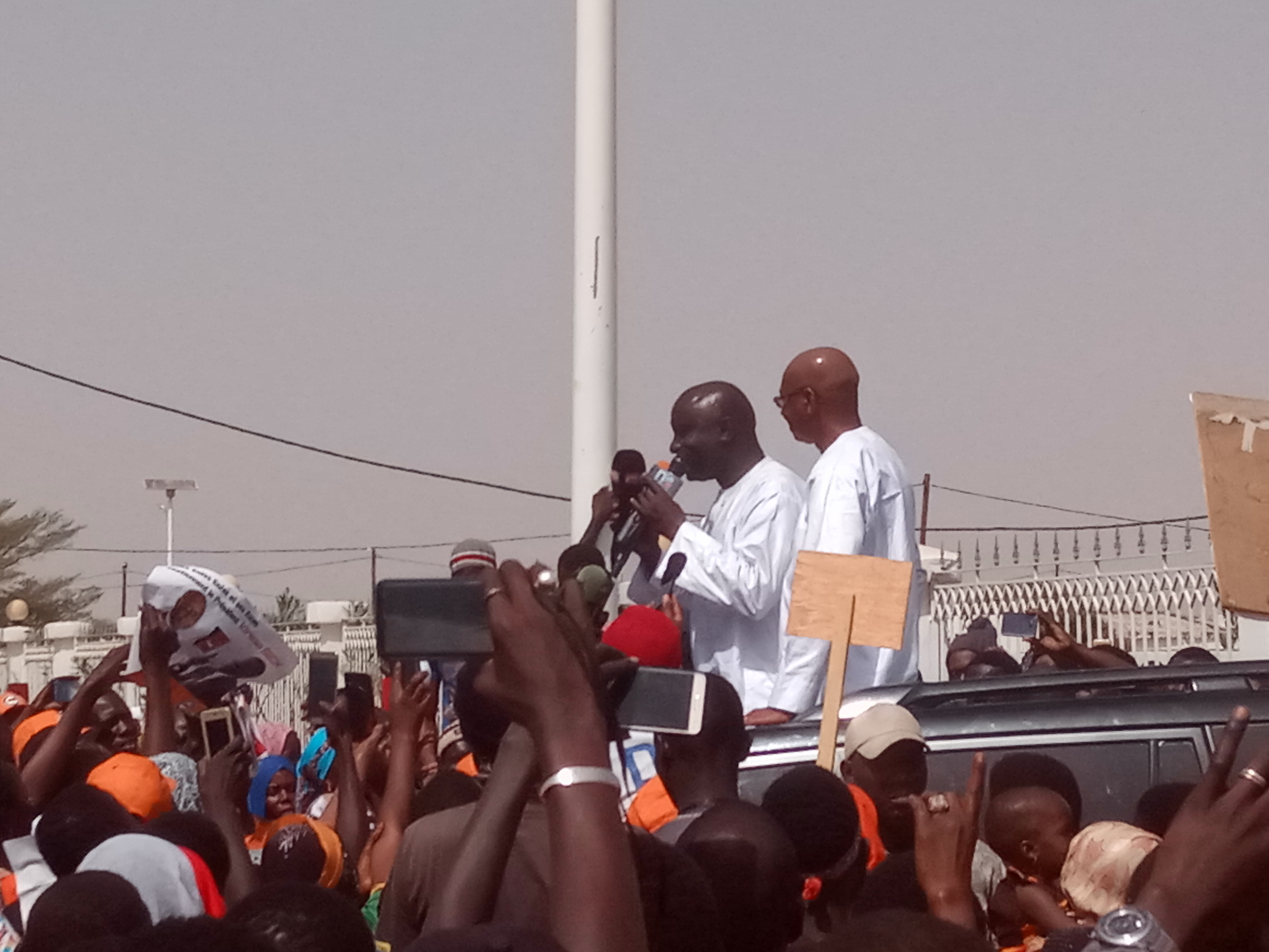 Ndiassane: Idrissa Seck séduit les habitants par le récit de versets coraniques