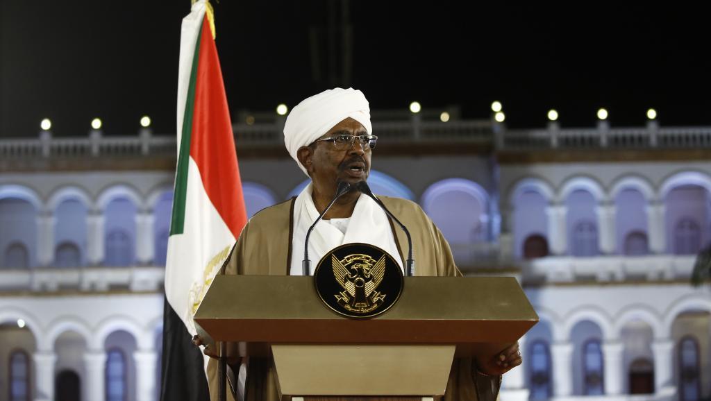 Soudan: le président Béchir limoge le gouvernement et proclame l'état d'urgence