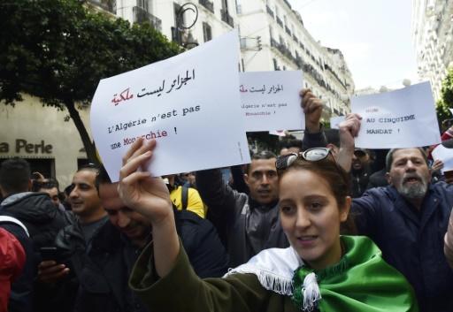 Algérie Des centaines d'étudiants rassemblés à Alger contre un 5e mandat de Bouteflika