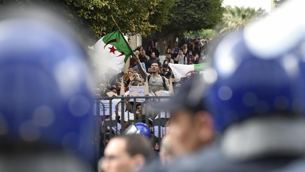 Algérie: les étudiants ont manifesté contre un 5e mandat de Bouteflika
