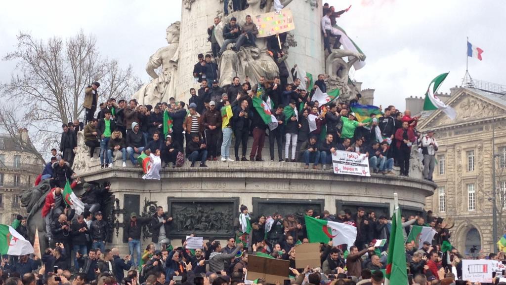 A Paris, la diaspora algérienne manifeste contre un 5e mandat de Bouteflika